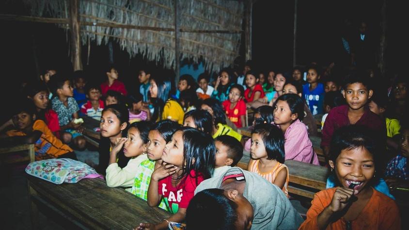 Distribution de matériel scolaire